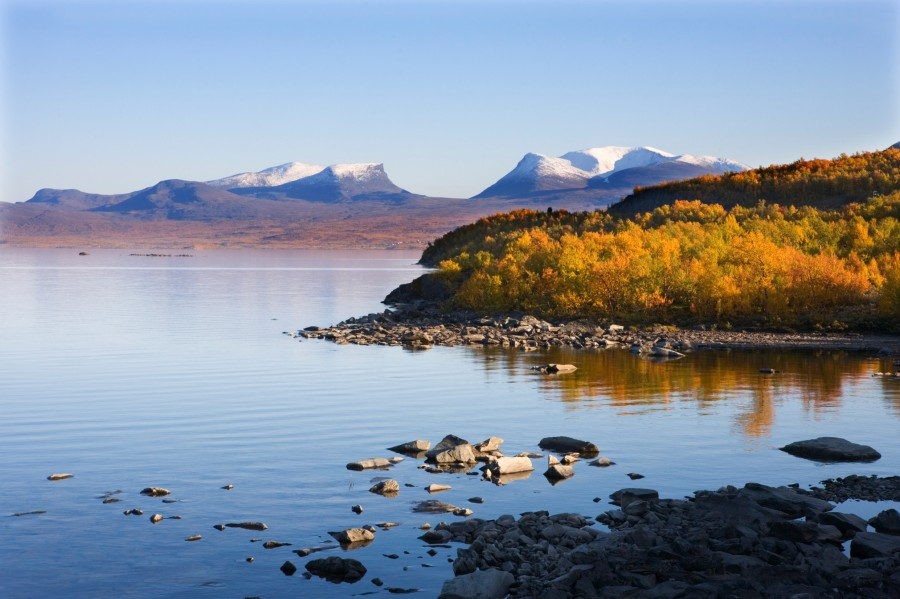 see the northern lights in autumn at abisko in lapland